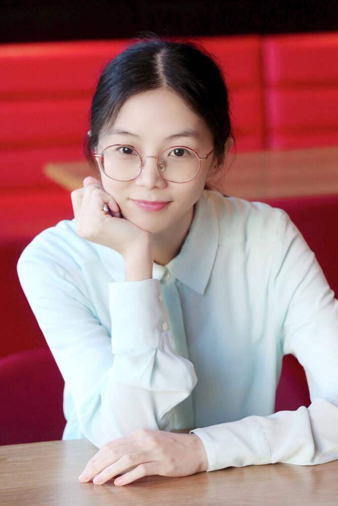 Elsa Zhong